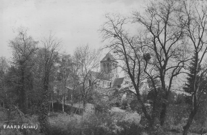 Eglise vue du parc du château en 1961