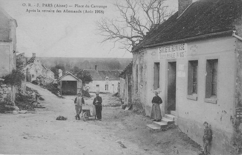 Place du Carrouge à Paars en août 1918